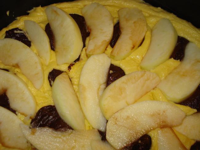 Marmorkuchen mit Apfel