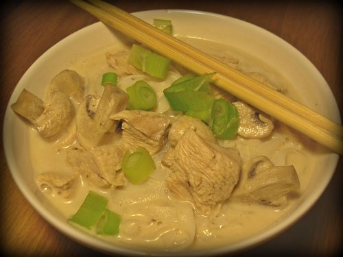 asiatische suppe tom ka kai
