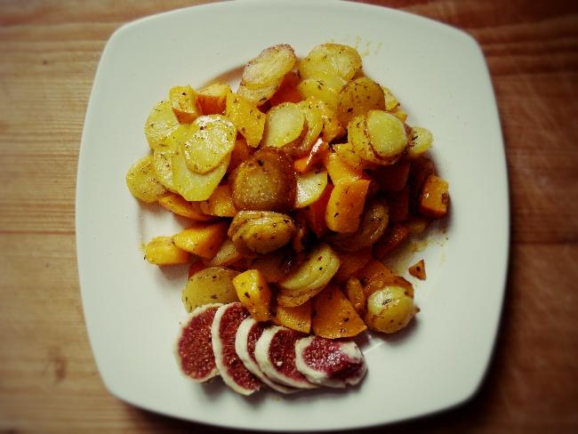 Bratkartoffeln mit gebratenem Kürbis und Kräutern