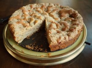 Mein Streuselkuchen: Weil ich das Backpapier vergessen habe, musste das Kuchenblech drunter bleiben.