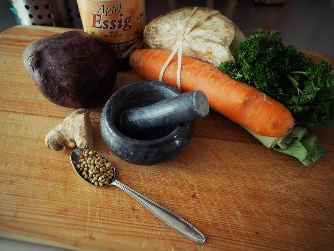 Rote-Bete-Suppe: Zutaten für eine gesunde, wärmende Suppe